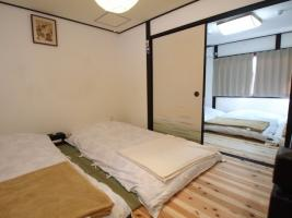 寝室 2階板間
