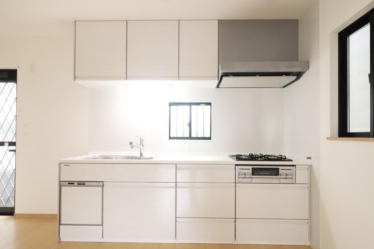 食洗器つきシステムキッチン