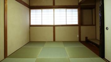 フチなし畳のシンプルな和室